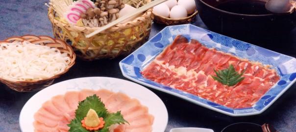 きじ鍋2,000円(税別)